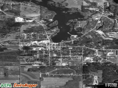 Iola satellite photo by USGS