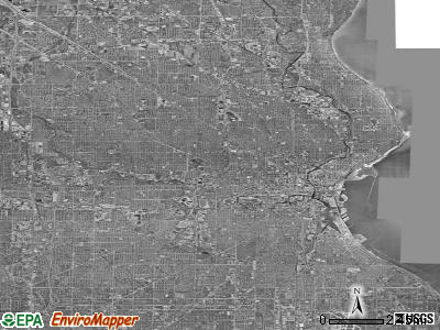 Milwaukee satellite photo by USGS