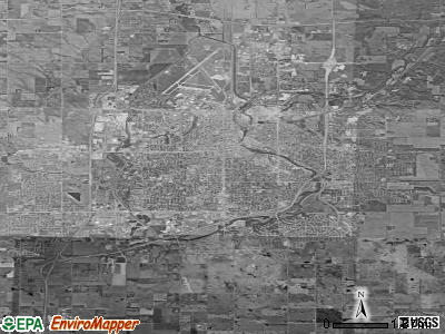 Topeka satellite photo by USGS