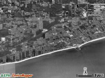 Long Beach satellite photo by USGS