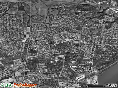 Bellefontaine Neighbors satellite photo by USGS