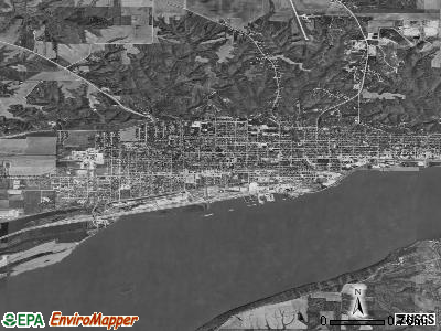 Fort Madison satellite photo by USGS