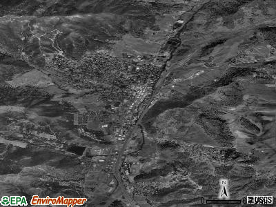 Yreka satellite photo by USGS