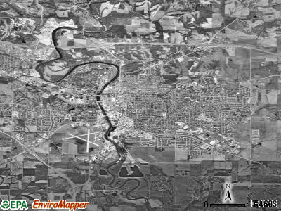 Hoover satellite photo by USGS