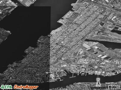 Bayonne satellite photo by USGS