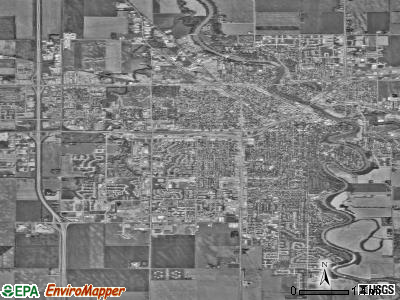 Grand Forks satellite photo by USGS