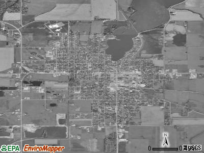 Emmetsburg satellite photo by USGS