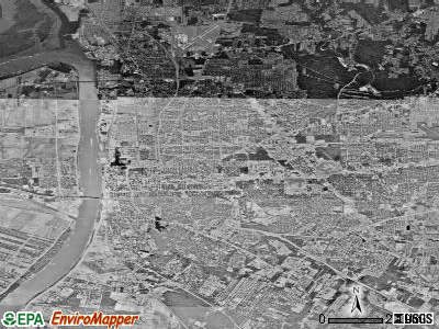 Baton Rouge satellite photo by USGS