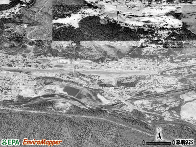 Oakridge satellite photo by USGS