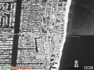 Lauderdale-by-the-Sea satellite photo by USGS