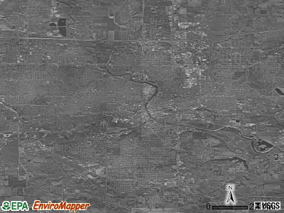 Des Moines satellite photo by USGS