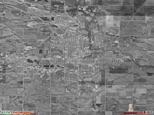 Mason City satellite photo by USGS 