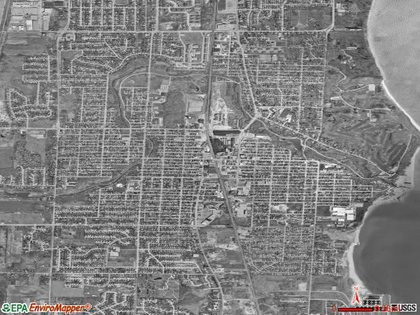 South Milwaukee satellite photo by USGS 