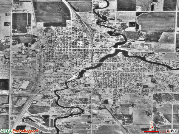 Thief River Falls satellite photo by USGS