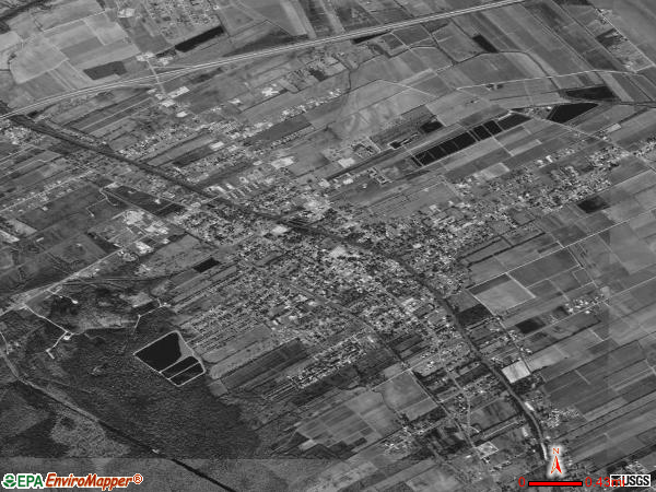 Breaux Bridge satellite photo by USGS