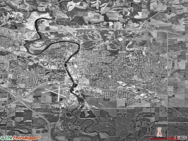 Iowa City satellite photo by USGS