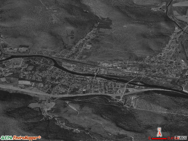 Salamanca satellite photo by USGS 