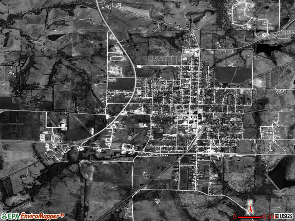 Farmersville satellite photo by USGS