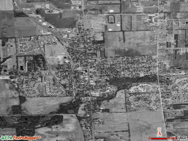 Almont satellite photo by USGS 