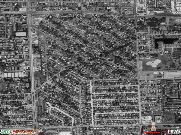 Miami Gardens satellite photo by USGS