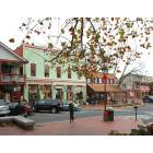 Arts, crafts, and sweets shops in Dahlonega's Town Square