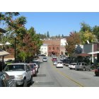 Auburn: Looking down Sacramento St. in Old Town - toward California Bar & Carpe Vino