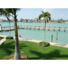 Marco Island: Fishing Pier overlooking the Marco River, minutes to Gulf for incredible fishing also