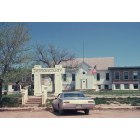Kadoka: Jackson County Courthouse on Mainstreet