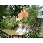 Chagrin Falls: Waterfall in Chagrin Falls