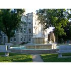 Sigourney: Lewis Memorial Fountain - Sigourney, Iowa city square