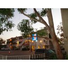 Bellflower: Bellflower, CA, Motel6