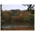 Martinsville: Fall foliage of Lake Lanier on Sam Lions Trail taken was taken on October 30, 2009