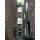 Savannah: Apartment courtyard in Savannah, GA