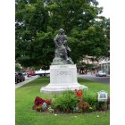 Salem: Hawthorne monument