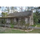 Livingston: Polk County Memorial Museum - Cabin