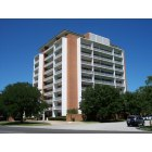Waco: Lake Air Tower - a residential condominium community