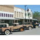 Hutto: The TEXAN CAFE & Pie Shop - during a lunch stop over by the Model A Club